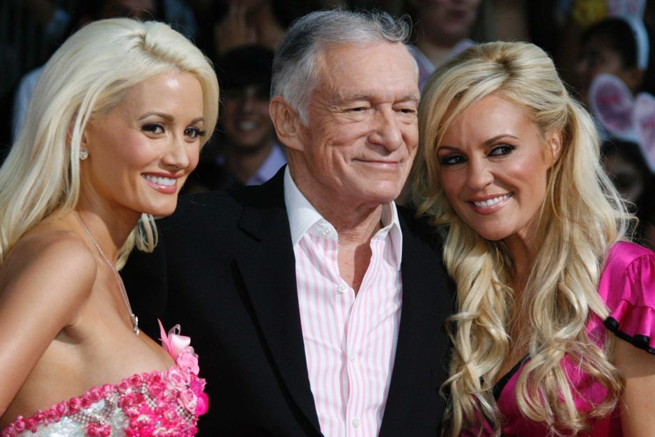 Hugh mit zwei seiner berühmtesten Freundinnen